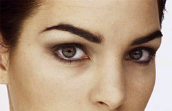 the girl's eyes close up